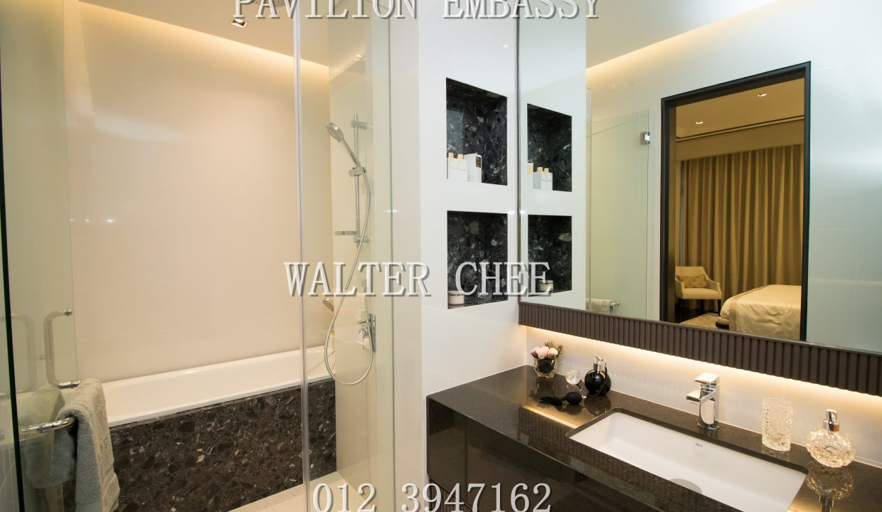 PAVILION EMBASSY MASTER BATHROOM