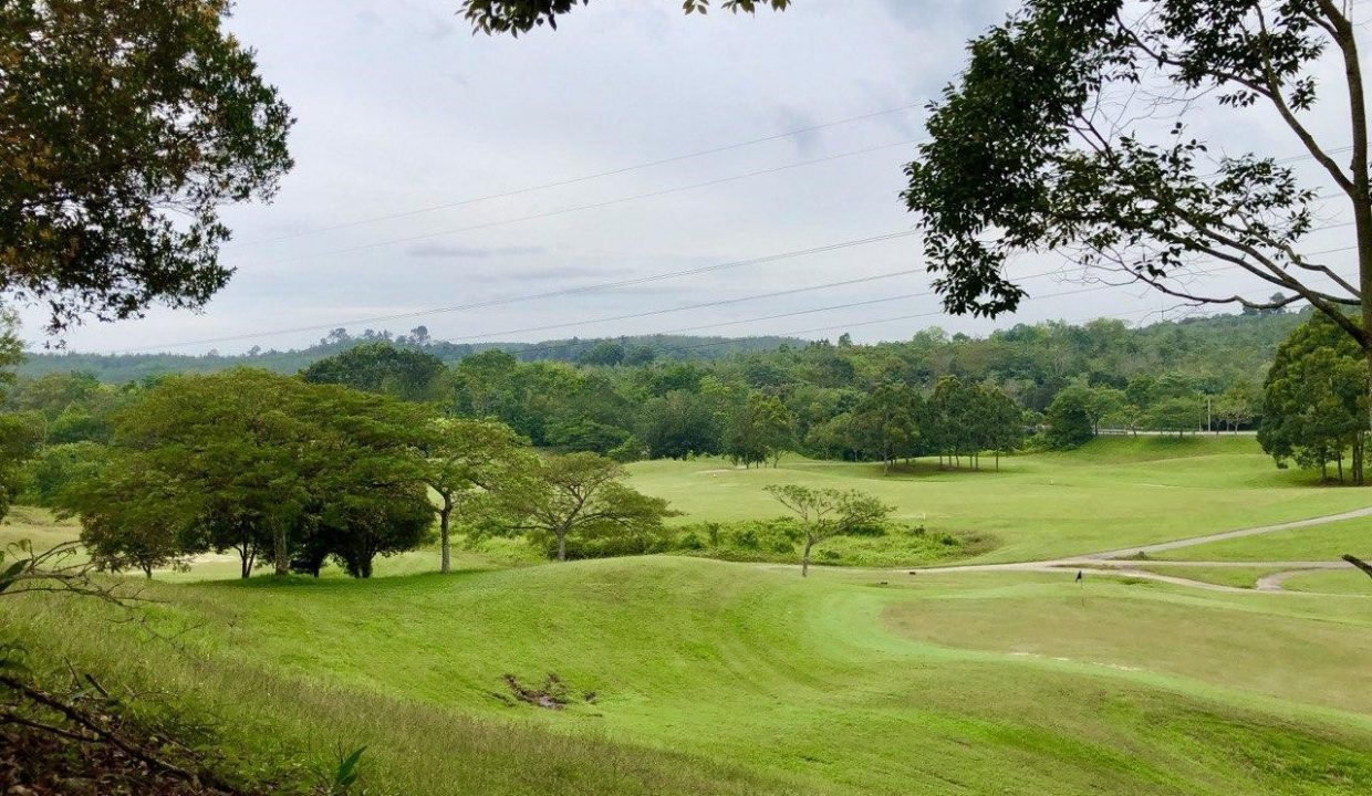 Lembah Beringin Golf Course